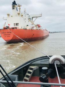 Plasma® winch line on hard working tug