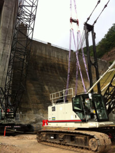 Plasma® rope slings performing a crane lift